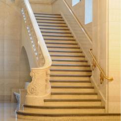 Ступени и лестницы из камня